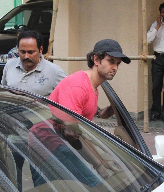 Hrithik Roshan Spotted at Sanjay Dutt's Residence