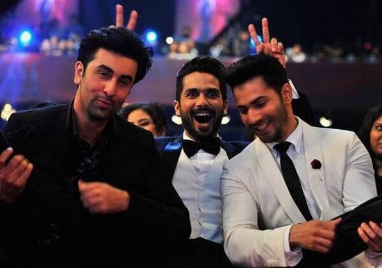 Ranbir Kapoor, Shahid Kapoor and Varun Dhawan Having Fun at Filmfare Awards 2015
