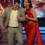 Sonam Kapoor and Salman Khan thank people for watching Prem Ratan Dhan Payo