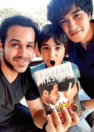 Emraan Hashmi Presents his Book to his son, Ayaan Hashmi