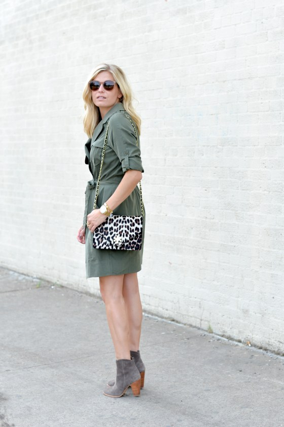 873dc436b00 olive trench shirtdress-leopard crossbody purse-fall outfit trends-tan  suede booties-