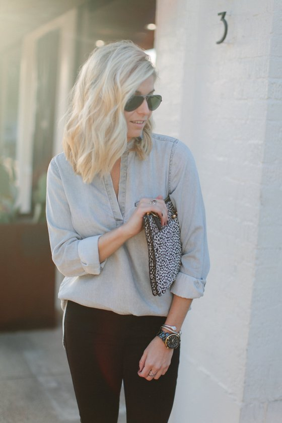 grey popover tunic-spotted clutch