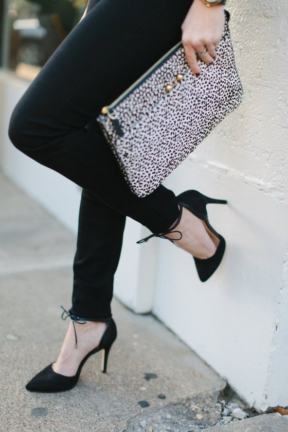 etienne aigner clutch-black skinny jeans-black ankle tie pumps