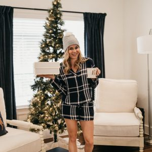 GIFT GUIDE 2017 // HER WI...
