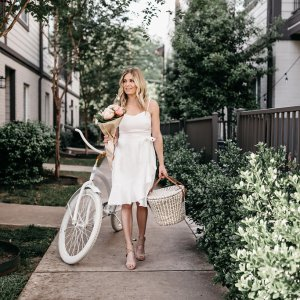 SUMMER DATE NIGHT IDEAS - One Small Blonde