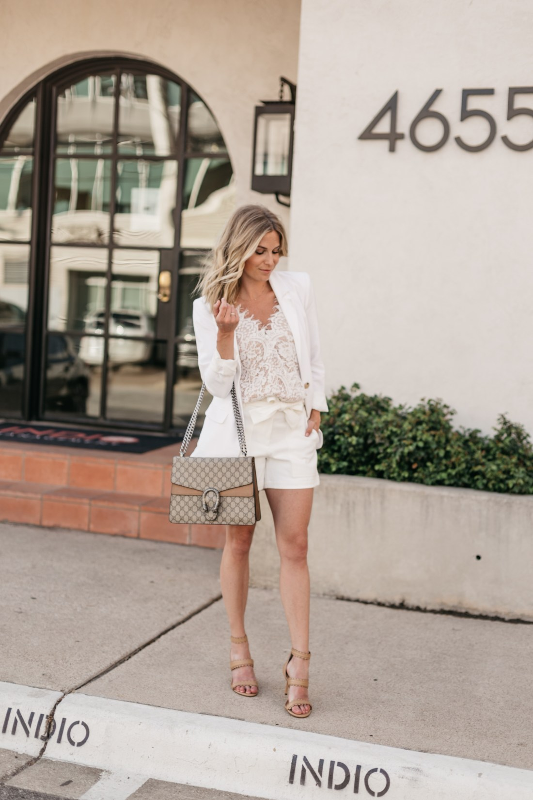 BODYSUITS FOR SUMMER - A white preppy outfit