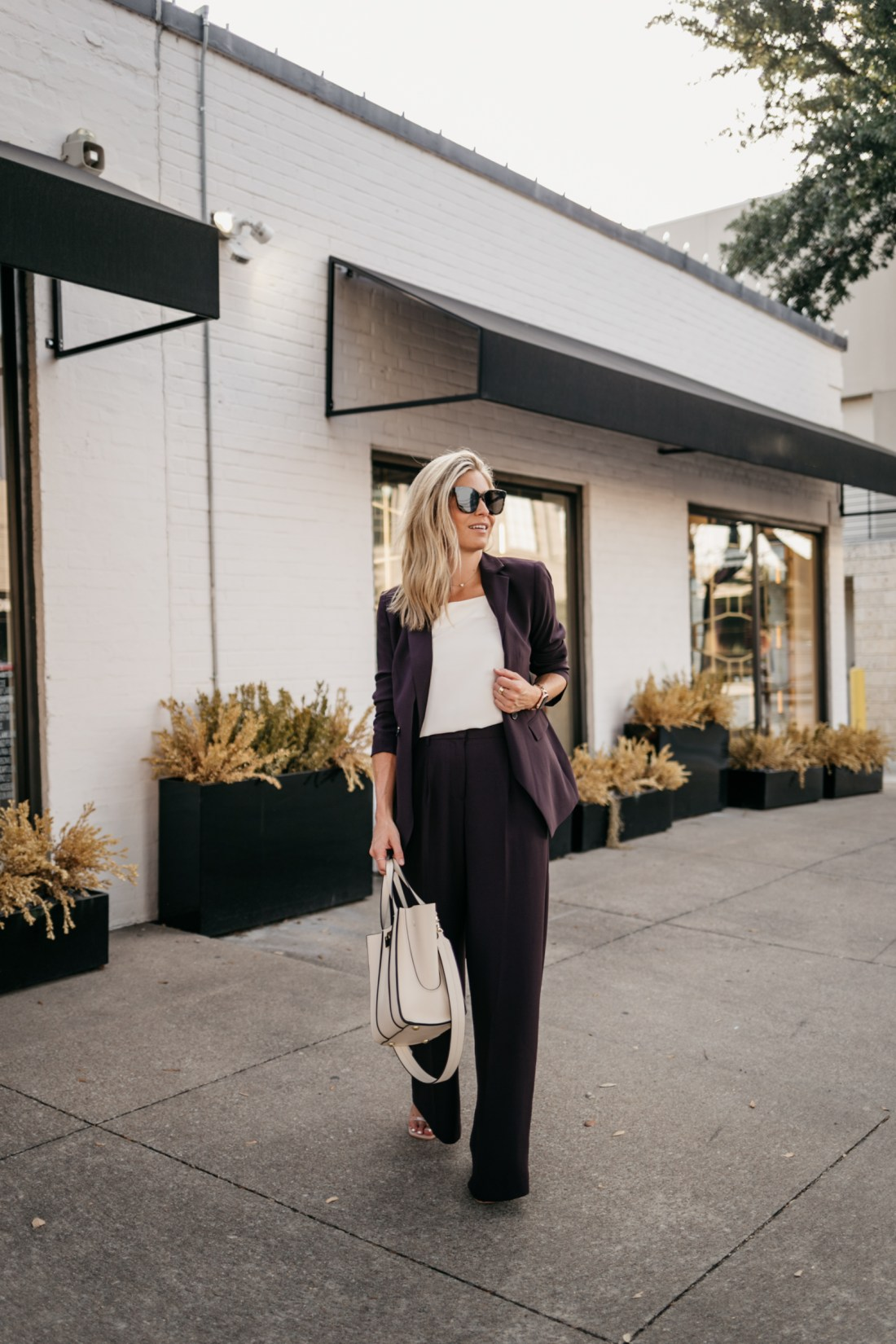 wear plum to work outfit