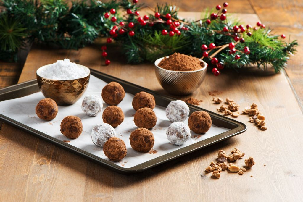 "Love Crunch Chocolate Peanut Butter ""Yum"" Balls {Recipe}"
