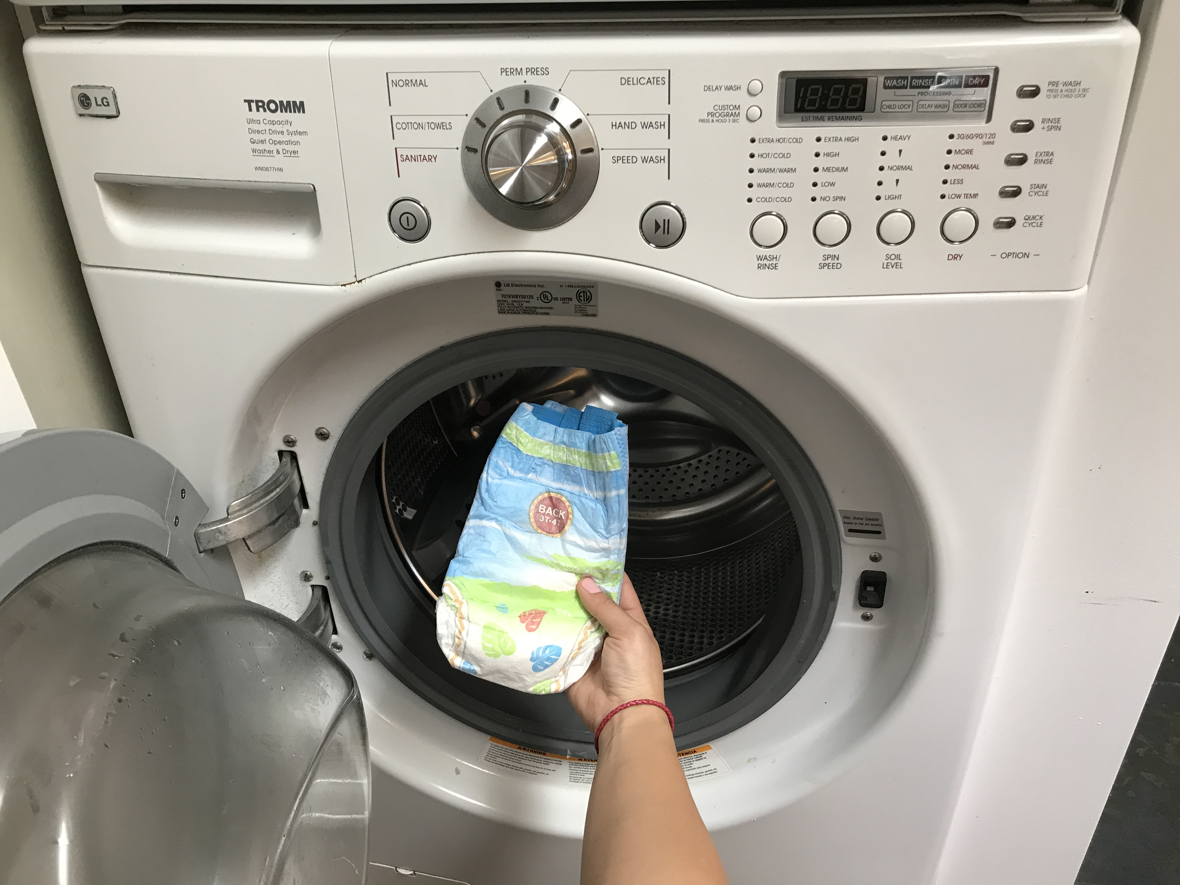 Disposable Diaper In The Washer How To Clean The Mess