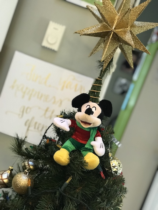 Bringing The Magic of The Holidays Home!