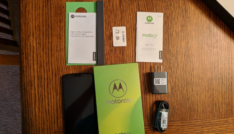 Box Contents of Moto G6