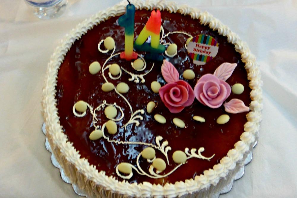 Albanian birthday cake