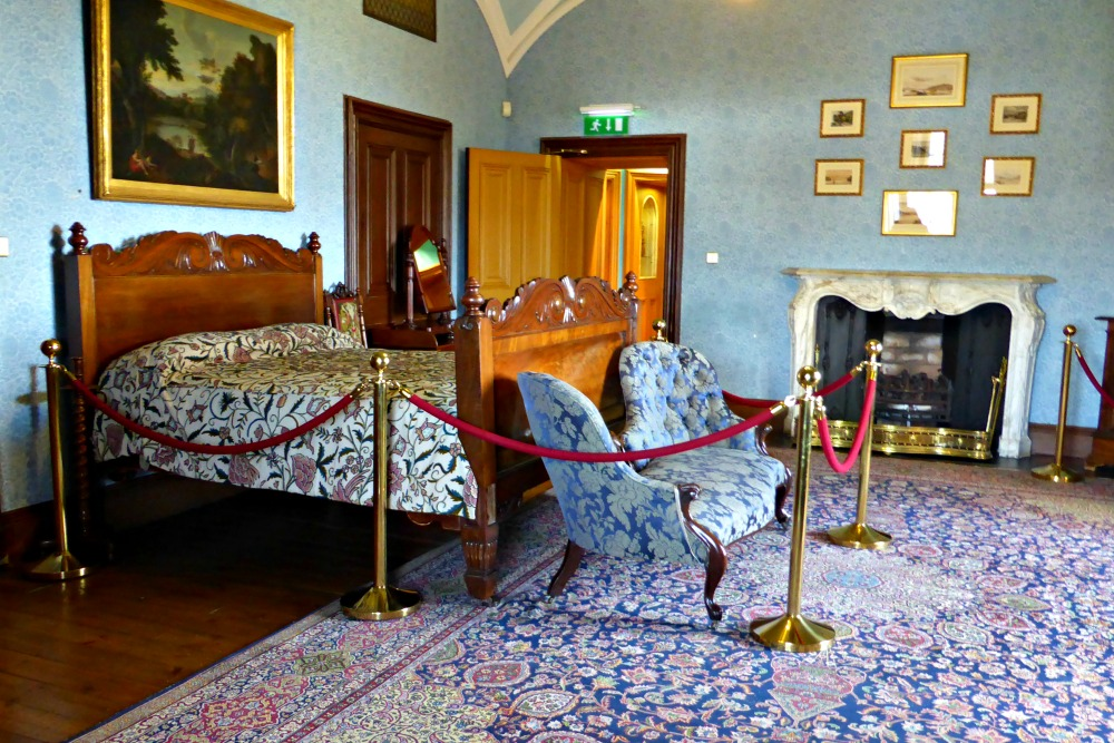 Exploring Kilkenny Castle || www.onetripatatime.com