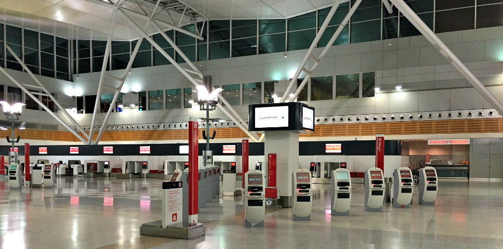 Travel Tips: Things to Do to Ease the Stress and Hassle at the Airport || www.onetripatatime.com
