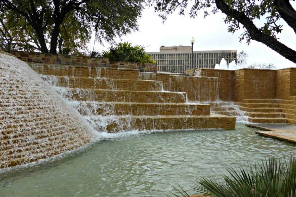 A Weekend Guide to San Antonio, TX || www.onetripatatime.com