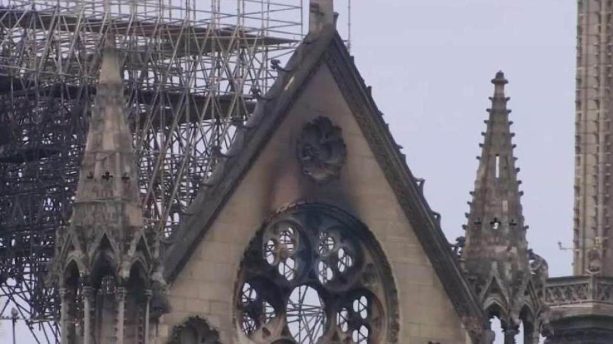 Thousands Pay Tribute To Notre Dame Cathedral In Paris