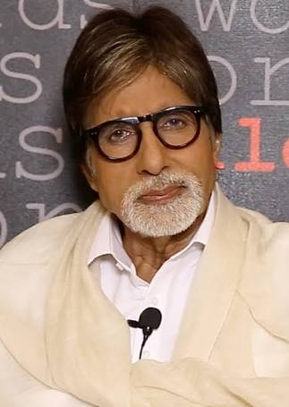 No younger actor gets intimidated from me : Amitabh Bachchan