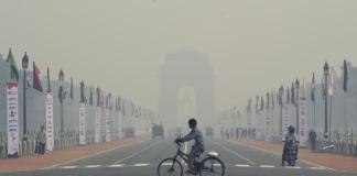 Delhi suffers due to pollution, but Union tourism ministry still unaffected