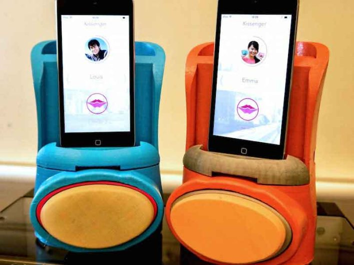 Kissenger is here :Now you can 'kiss and tell'