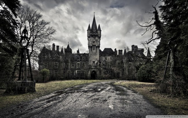 Pant-wettingly freaky castle