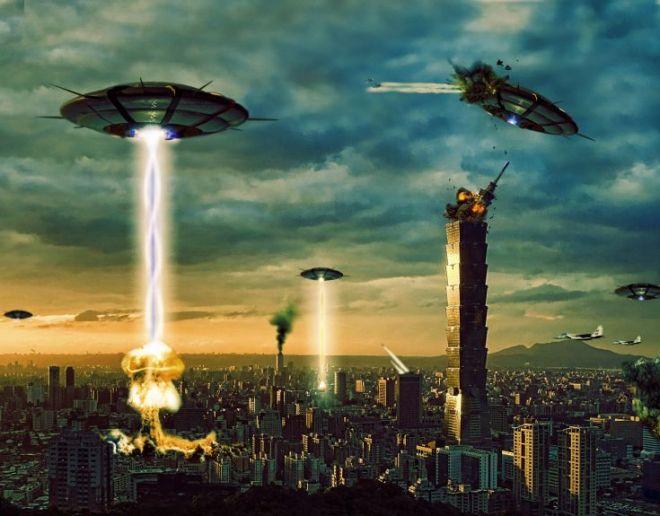 UFO attacking city
