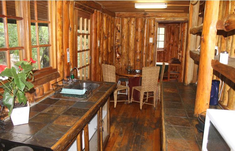 Self Catering Log Cabin Mount Amanzi