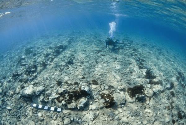 buceo en ruinas griegas