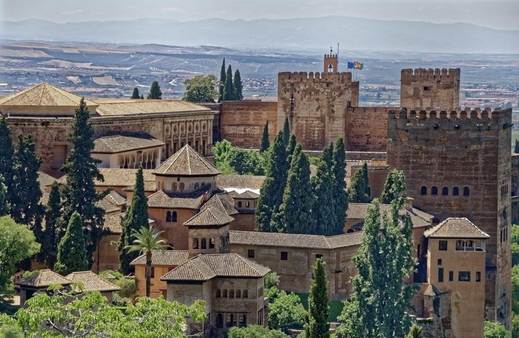 5 lugares que ver si alquilas un coche en Granada