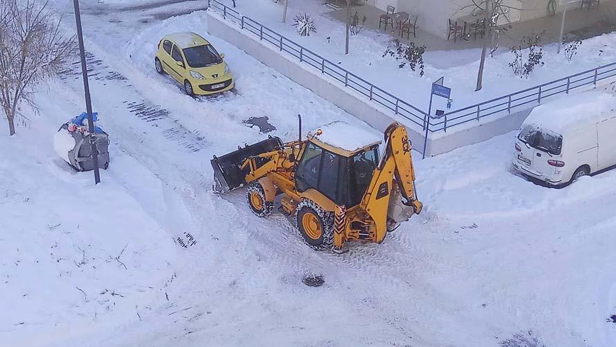 """Πως """"σώθηκε"""" η Λάρισα τα ξημερώματα της Δευτέρας από το νέο κύμα χιονιά; Μια """"τρύπα"""" ήταν η αιτία! (Χάρτης)"""