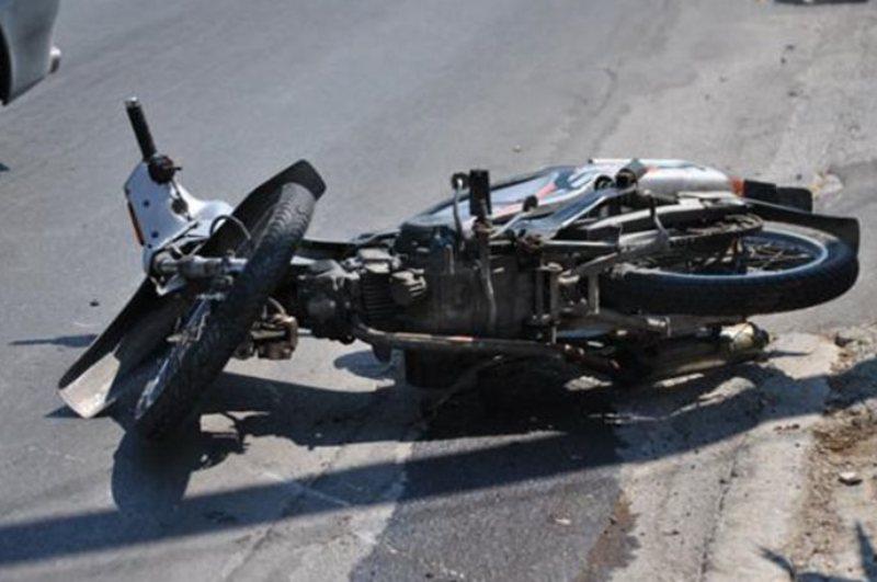 Αυτοκίνητο συγκρούστηκε με μηχανάκι μπροστά στην Πυροσβεστική στην Ιωαννίνων
