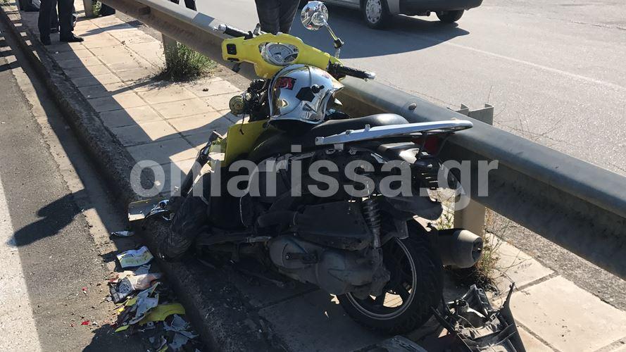 Τραγωδία: Νεκρός 28χρονος ντελιβεράς σε τροχαίο έξω από τη Λάρισα - Δείτε φωτογραφίες