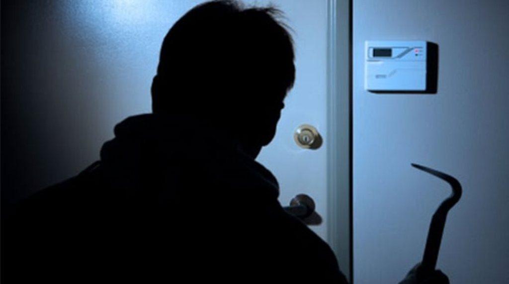 Ρέκορντμαν... κλοπών ένας 33χρονος Λαρισαίος - Τον συνέλαβαν για 18 διαρρήξεις!