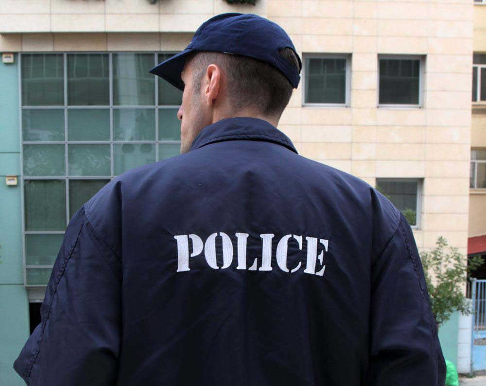 Η πρώην σύζυγος καταγγέλλει για τον συνταξιούχο αστυνομικό στη Λάρισα: Τα κορίτσια που βίαζε ήταν οι αδελφές μου