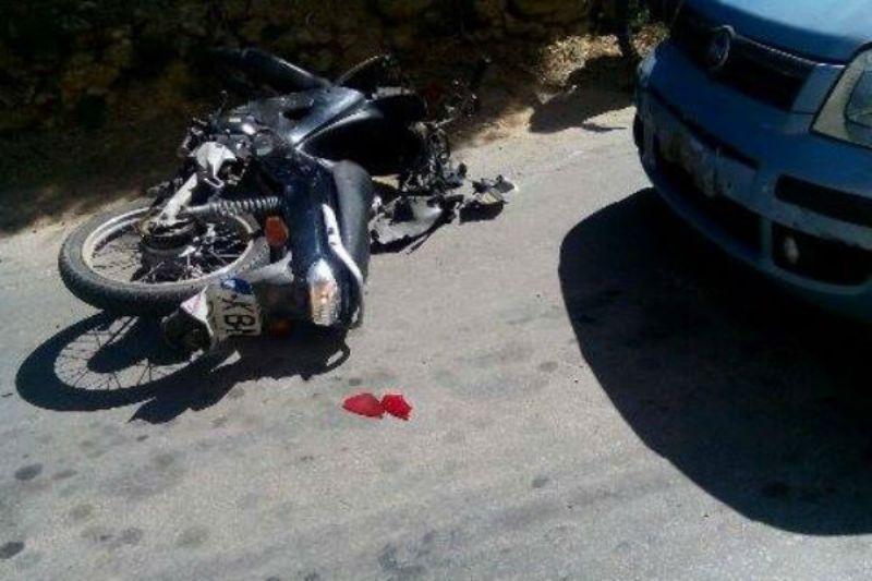Τροχαίο με έναν τραυματία στη Νέα Πολιτεία – Σύγκρουση Ι.Χ. με μηχανάκι