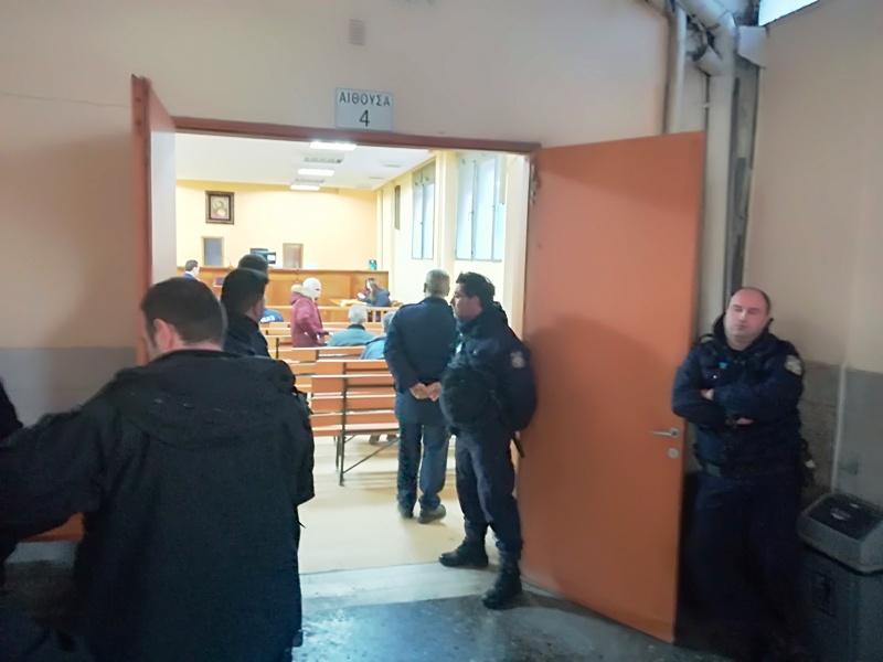 Πλειστηριασμοί στη Λάρισα για πρώτη φορά μετά το καλοκαίρι!- Με ισχυρή αστυνομική παρουσία αλλά χωρίς παρατράγουδα… (ΦΩΤΟ + Βίντεο)