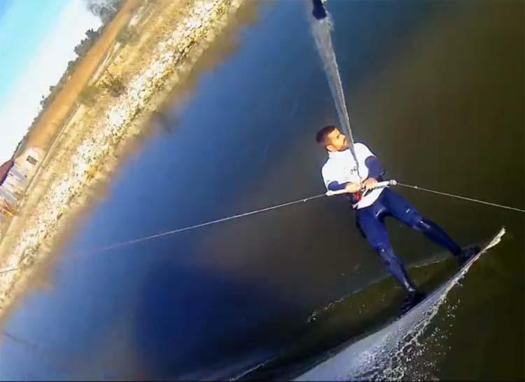 Κάνοντας Kitesurf σε ταμιευτήρα νερού στη Λάρισα - Δείτε το εντυπωσιακό βίντεο τριών Λαρισαίων!