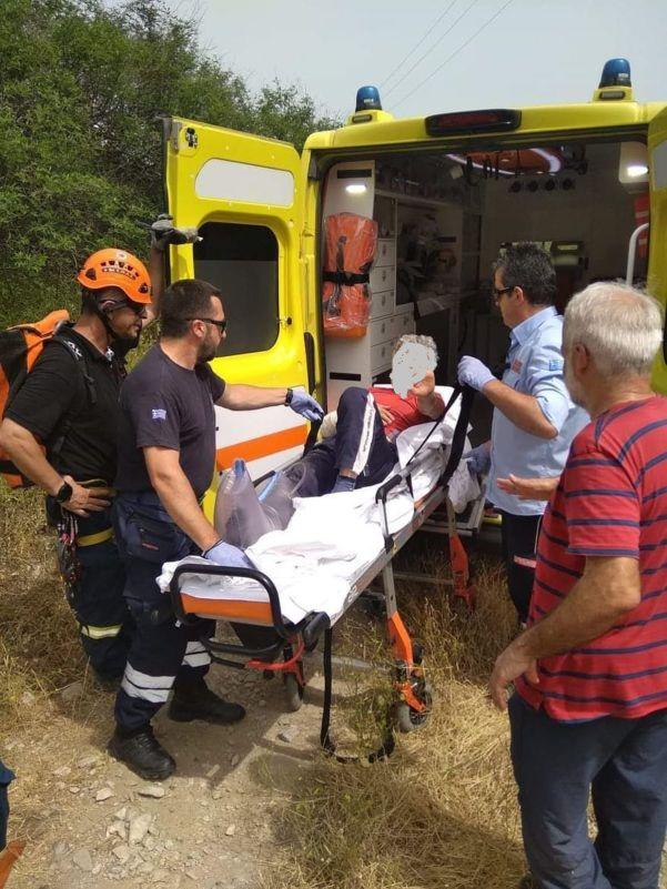 Καρέ καρέ η διάσωση από την 8η ΕΜΑΚ, του Λαρισαίου ορειβάτη που τραυματίστηκε στο Γεντίκι (φωτο)