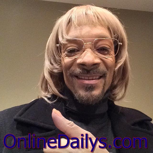 Snoop Dog Changes Skin to White