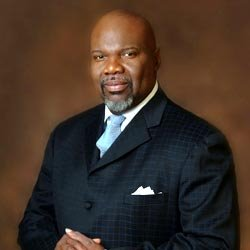 Bishop T.D. Jakes – 1000 Generations of Blessings: Positioning Yourself to Prosper (Video)