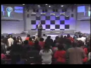 Pastor RA Vernon – Praise Got Me Out (Video)