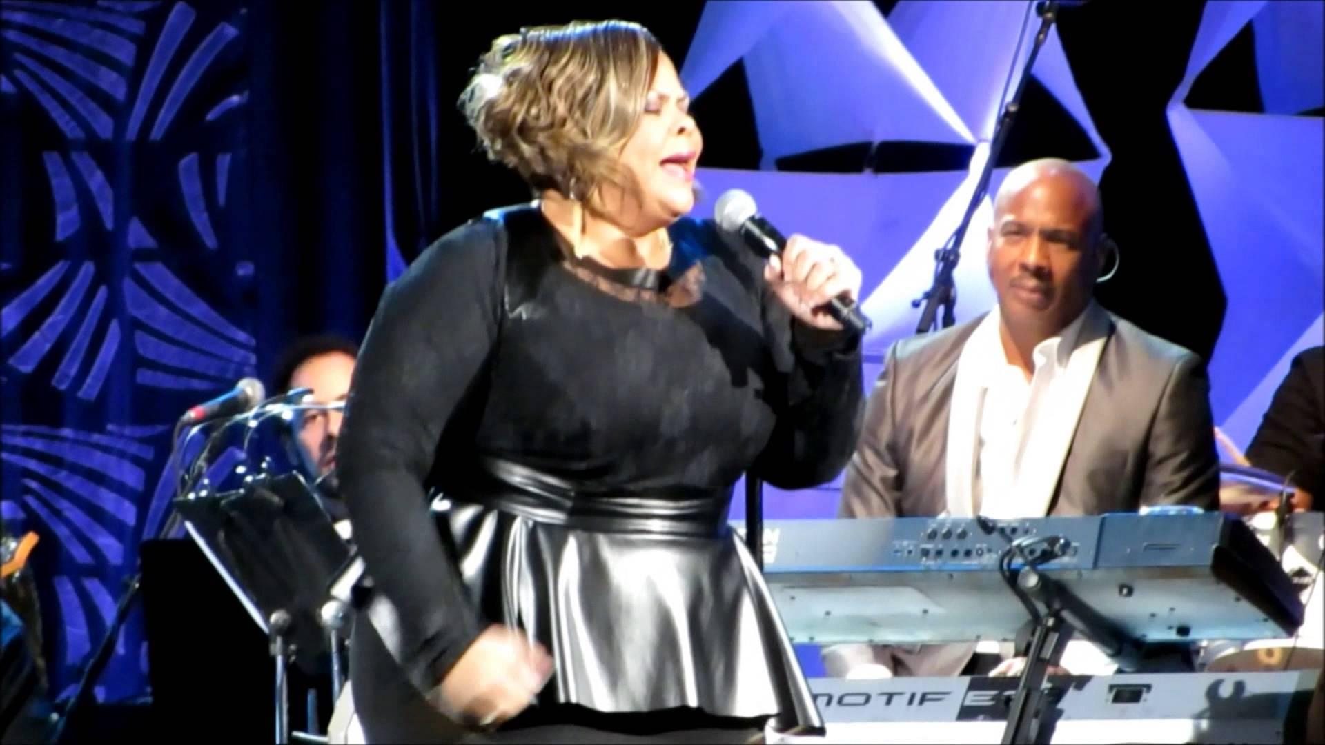 2014 Super bowl Gospel Show – Tamela Mann Take Me To The King (LIVE)