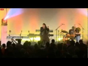 Kierra Sheard – Save Me and Trumpets Blow Live (Video)