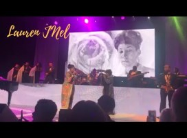 """Anita Baker Brings Kelly Price On Stage For Aretha Franklin Tribute & Sings """"Natural Woman"""""""