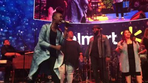 """J.J. Hairston sings """"No reason to fear"""" live at the Essence Music Festival featuring Tiffany Boone"""