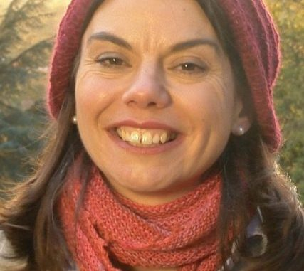 https://commons.wikimedia.org/wiki/File:Sarah_Olney,_Liberal_Democrat_candidate_in_Richmond_Park_by-election,_pictured_in_Richmond_Park.jpg