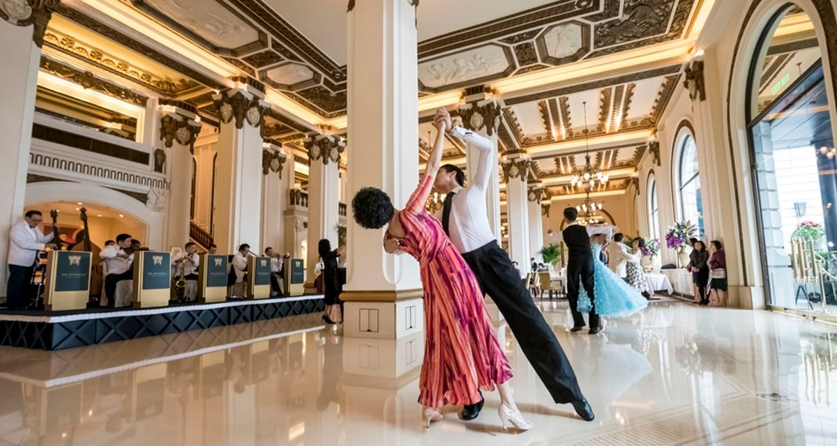 THE GRANDE DAME REVIVES GLAMOROUS LOBBY DANCE TO RAISE AWARENESS FOR BREAST CANCER RESEARCH