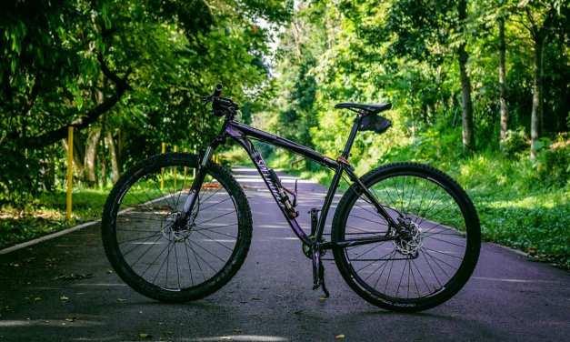 Exploring the Bicycle Way around Kathmandu : Cycling travel guide