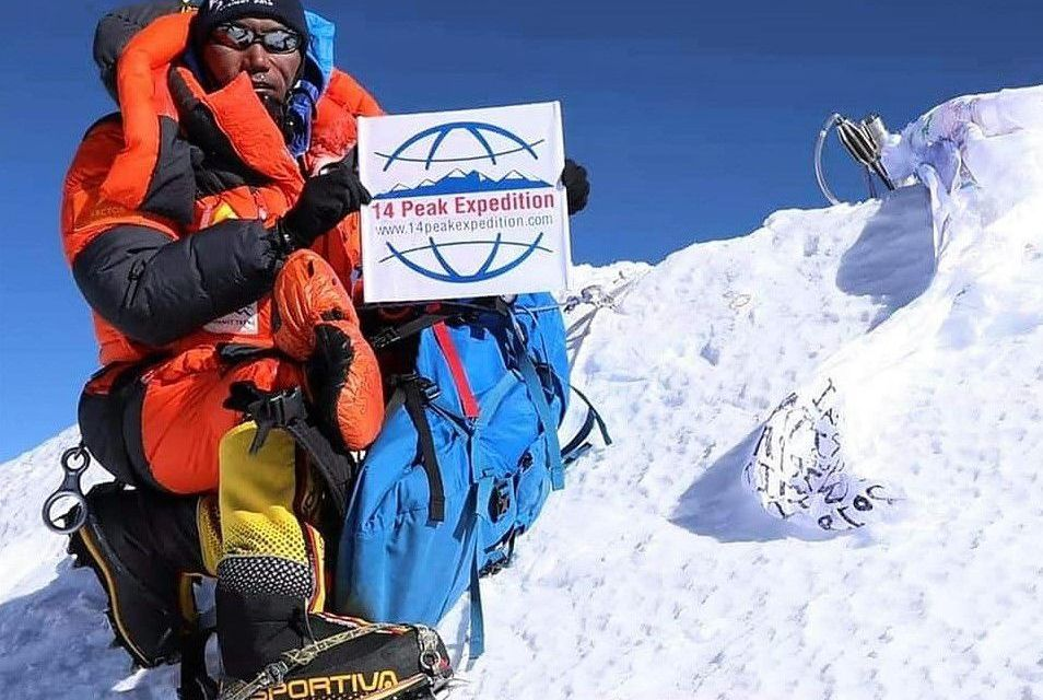 Record breaking Kami Rita welcomed in Kathmandu