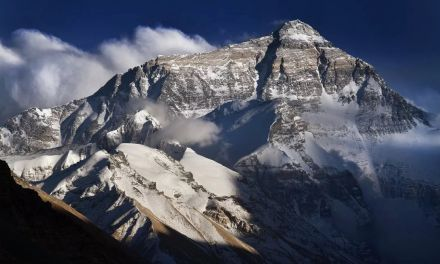 China Just Closed the North Side of Mount Everest