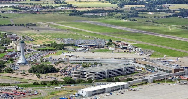 Edinburgh Airport passenger numbers decline to lowest level since 1995